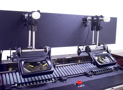 目視検査機